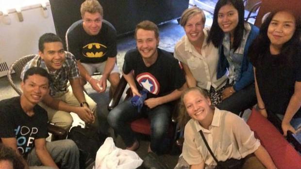 De Globale Fortællere suger viden og indtryk til sig i Cambodja