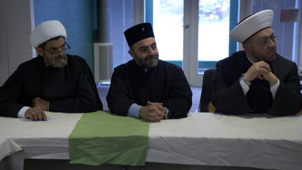 Præster og imamer skriver fælles interreligiøse undervisningsbøger