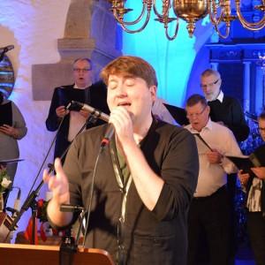 Kor sang julen ind i Jerslev Kirke
