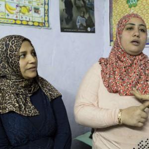 Kvinder fra Kairos slum med egen souvenirfabrik