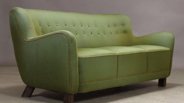 Første, anden, tredje ... slidt sofa til 4.600 kr.