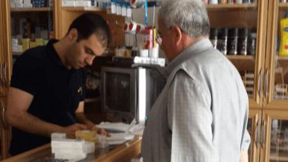 Danmission uddeler medicin i Syrien