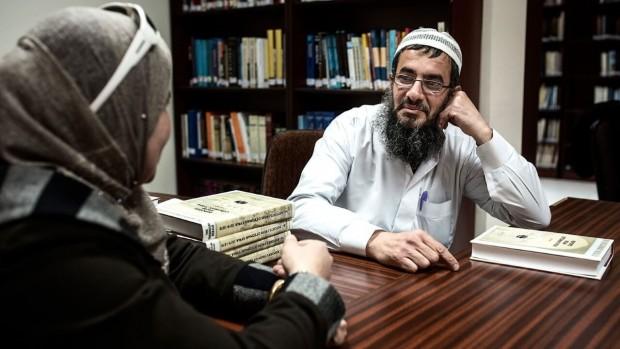 Religionslærere bekæmper islamisk ekstremisme i klasseværelserne
