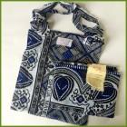 Smukt tørklæde i blåt mønster