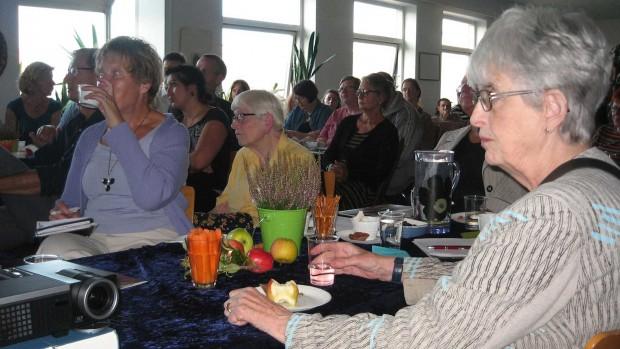 30 års fødselsdagsfest på Mødestedet for danskere og indvandrere