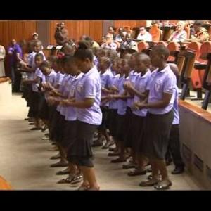 Børnekor synger for politisk retfærdighed i Tanzania