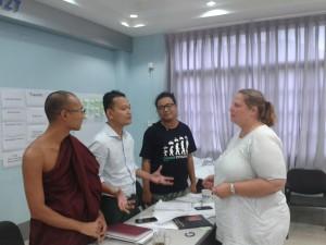 Munken Medha, Præsten Myo Khaing og den buddhistiske aktivist Ogga