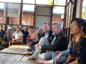 Peter Herum i flygtningelejr i Kachin